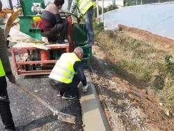 小型路肩混泥土成型机