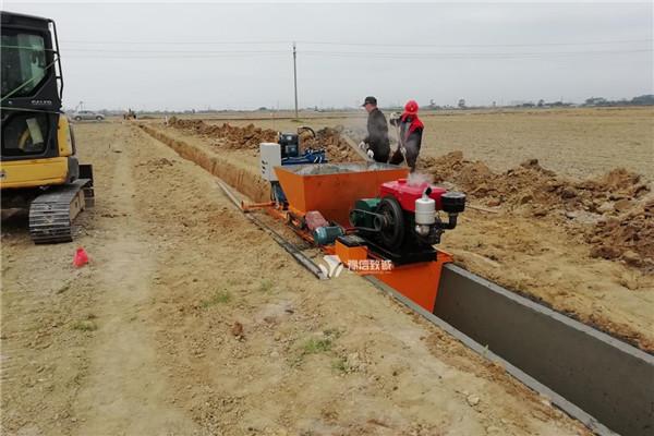 梯形液压式排水沟滑模机施工